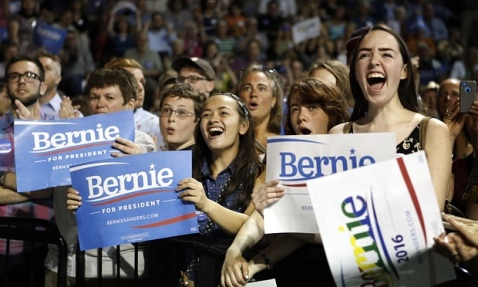 6358808336202181102032167412_Young-Voters-For-Sanders